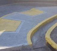 Además de lo insólito, llama la atención que realizaron 2 rampas en el mismo lugar. Foto: Zona Norte Diario.