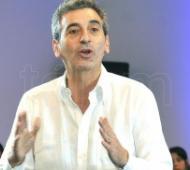 """Randazzo: """"La candidatura de Cristina pone en discusión el pasado y le evita al gobierno discutir el presente""""."""