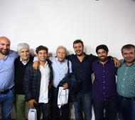 Kicillof junto a dirigentes peronistas de Azul.