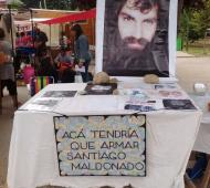 El stand que recuerda a Santiago en El Bolsón. Foto: La Noticia 1.