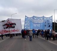 Organizaciones sociales cortaron este miércoles parte de la Autovía 2.