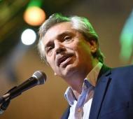 Fernández se ausenta una semana de la Argentina.