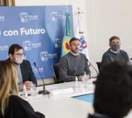 """""""Estas herramientas ponen a Pilar a la vanguardia de los municipios"""", destacó Achával."""