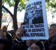 Continúa abierta la causa que investiga la muerte de Sandra y Rubén por la explosión en la escuela 49.