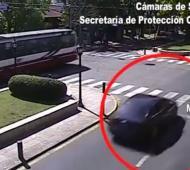 El auto estaba estacionado en Roca y Juan B. Justo.