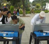 Está previsto que los resultados del comicio estén disponibles rápidamente por el voto electrónico.