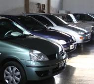 Sigue en caída el sector automotriz.