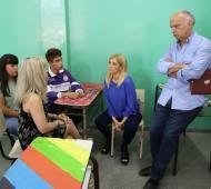 Lanús: Grindetti y Magario recorrieron escuela 27 de Remedios de Escalada donde comenzarán obras de mejora