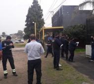 La policía trasladó a los asistentes a una comisaría y los notificó de la causa penal federal por violar la cuerentena.