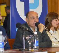 1País presentó sus candidatos en Rivadavia.