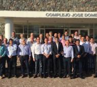 Foto de todos los intendentes que estuvieron reunidos en Bolívar.