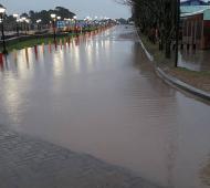 La nueva plaza de Ostende, bajo el agua. Foto: Facebook Fabián Cambre