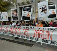El reclamo fue en ante el Obispado y ante Tribunales en San Nicolás.