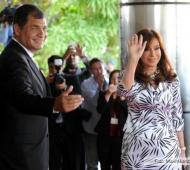 Cristina fue recibida por Correa. Foto: Télam.