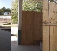En un colegio de Paso del Rey se cayó un panel de madera e hirió a directivos. Foto Prensa