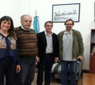 Rodríguez Ponte recibió a la comitiva para declarar al Cementerio como Sitio de la Memoria. Foto: Entrelíneas Info.