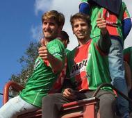 Jugadores e hinchas festejaron en Carlos Casares.