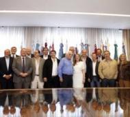 Alicia Kirchner junto a Intendentes y representantes.