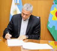 Ferraresi firmó protocolo para casos de personas vinculadas al municipio