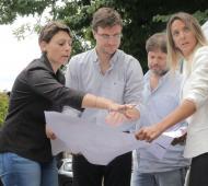 Malena Galmarini y Lucas Ghi recorrieron las calles de Morón