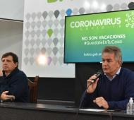 El secretario de Salud, Pablo Acrogliano, junto al intendente Héctor Gay