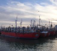 Familiares de víctimas exigen la renovación de 31 embarcaciones antiguas. Foto: Prensa