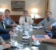 Un pasaje de la reunión entre ATE y el Comodoro Sanz Rodríguez. Foto: Noticias Ensenada.