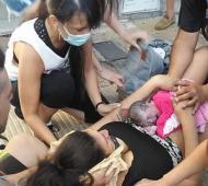 Viviana ayudó a dar a luz a una beba en la vereda.