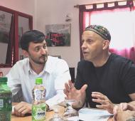 Yeza y Bergman, durante un encuentro por el tema ambiental en Pinamar.
