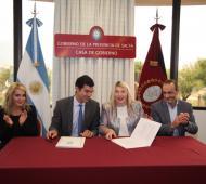 Urtubey y Bertone firmaron un convenio de cooperación mutua en desarrollo de políticas productivas.