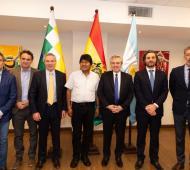 Los jefes comunales de Hurlingham y San Martín, Juan Zabaleta y Gabriel Katopodis con Evo Morales.