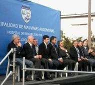Intendentes, diputados y senadores participaron del acto de inauguración. Foto: Twitter @diariomalvinas