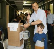 """Eduardo """"Bali"""" Bucca, votó en Bolivar acompañado de su familia"""
