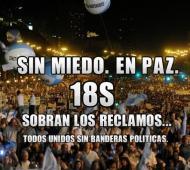 """""""Sin miedo. En paz. 18S. Sobran los reclamos. Todos unidos sin banderas políticas"""", reza la imagen de convocatoria. Foto: Twitter @charolupe"""