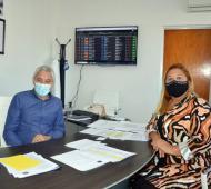 El intendente Fabián Cagliardi junto a la presidenta del HCD Vanesa Queyffer