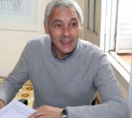 Cagliardi se redujo el sueldo y pidió que los concejales sigan su ejemplo.
