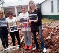 """Papelón: Docentes piden """"escuelas seguras"""" a Vidal paradas sobre una obra en construcción y las descubrieron"""