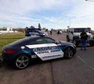 """Un Audi y un Mercedes Benz, """"recuperados del narcotráfico"""". Fotos: Campana Noticias."""