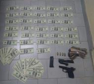 La Policía secuestró 78 mil pesos, más de 17 mil dólares apócrifos y 1600 dólares originales. Fotos: Prensa