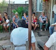 Ceballos en Junín, junto a militantes y vecinos.