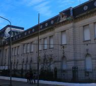 Nueva ola de amenazas de bomba en distintos colegios de La Plata y Berisso. Foto: Clarin