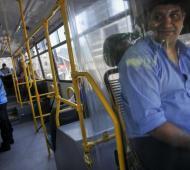 Los choferes deberán exigir los permisos y DNI de sus pasajeros