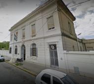 Cinco presos se fugaron de la comisaría de Tres Arroyos: Ordenaron allanar la dependencia