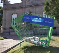 """Reciclaje en Lobería: Instalan un contenedor """"EcoBotella"""""""