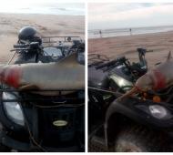 El delfín fue subido al cuatriciclo muerto y desangrado.