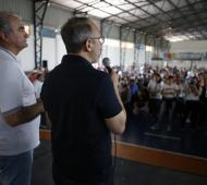 Valenzuela otorga otro aumento a los municipales y llega a un 45% anual