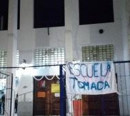Facebook: centrodeestudiantesISFD102