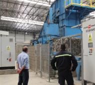 Planta de la Ceamse en Ensenada ya recibe 700 toneladas diaria de basura y separa los neumáticos