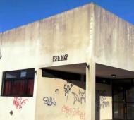 La secundaria 3 funciona en el edificio del instituto de formación docente 49 de Brandsen.