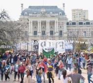 Concentración frente a la Casa de Gobierno en La Plata. (Foto: CTA Provincia)